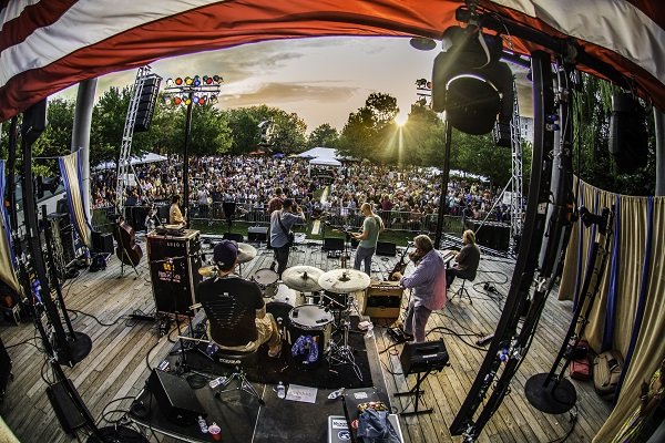 Bristol in Tennessee feiert sein traditionelles Rhythm & Roots Festival 2016 vom 16. bis 18. September (c) Brandon Reece/Tennessee Tourism