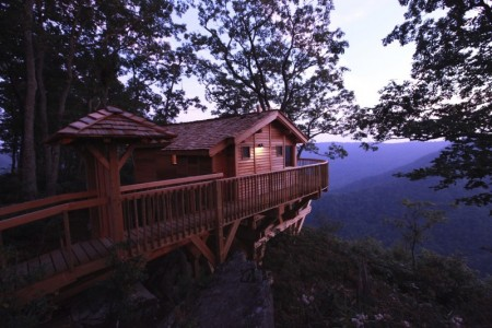 Das Tree House im Primland Resort mit Blick auf die Blue Ridge Mountains (c) Capital Region USA