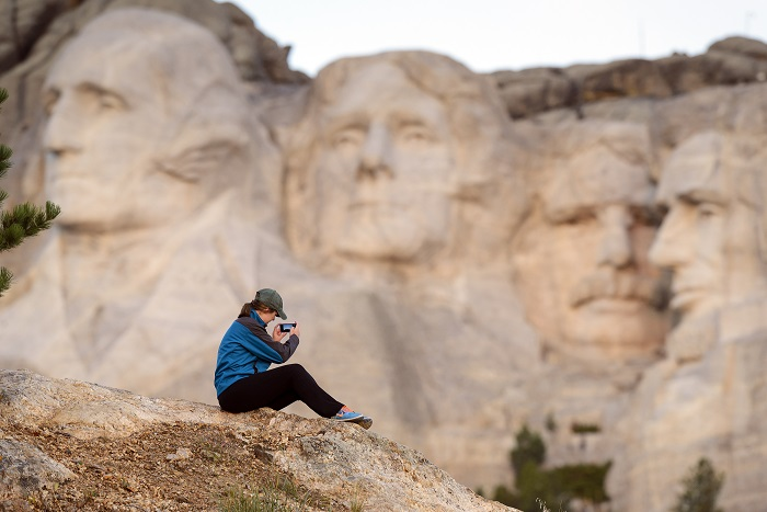 Historischen Persönlichkeiten ganz nahe kommen: Zu Besuch bei den vier Präsidenten-Köpfen am Mt. Rushmore. (c) South Dakota Department-of Tourism