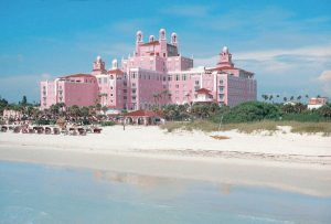 "Die ""Pink Lady"", das Loews Don Cesar Hotel in St. Petersburg, ist benannt nach dem Helden Don Cesar DeBazan in Vincent Wallaces Oper Maritana. (c) VISIT FLORIDA.jpg"