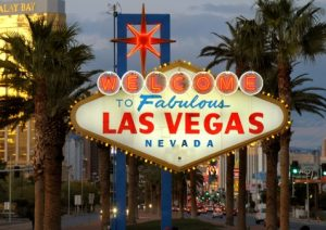 Leuchtzeichen sind Markenzeichen der Entertainment-Hauptstadt der USA. (c) Las Vegas Convention and Visitors Authority (LVCVA)